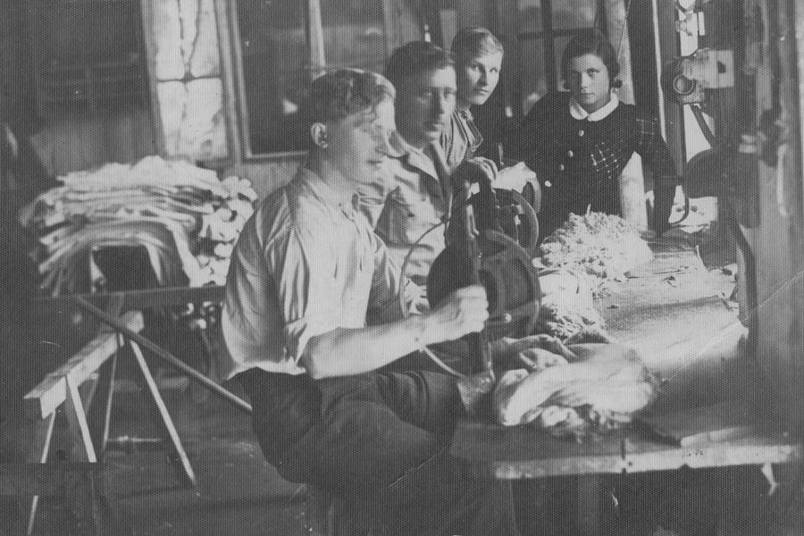 Odos dirbtuvės. XX a. 4 deš., Šiauliai Fotografija iš asmeninio kolekcininko Petro Kaminsko archyvo