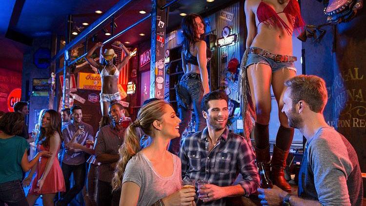 """""""Coyote Ugly"""" baras Las Vegase"""
