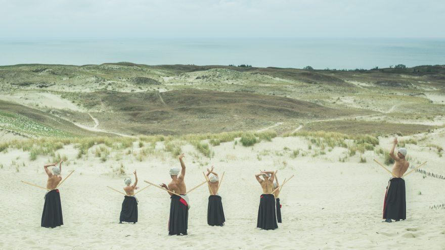 """Šeiko dance company: Premiere """"Vom Sande verweht"""""""