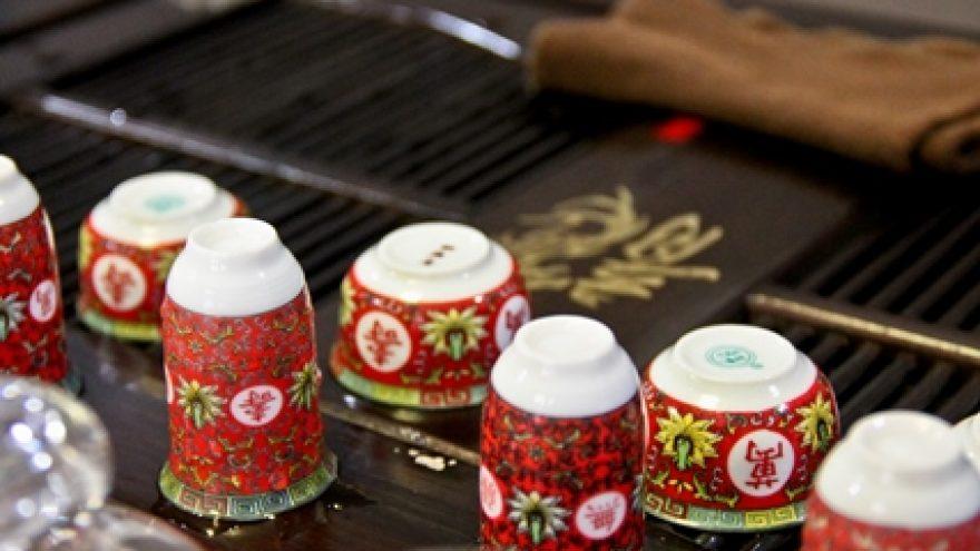 Baltųjų ir žaliųjų kiniškų arbatų degustacija