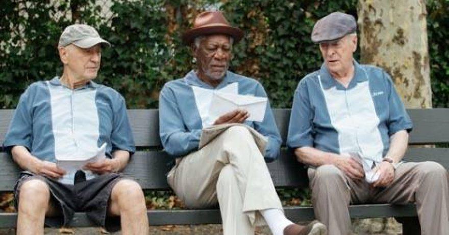 """""""Seni lapinai"""" M. Freemanas, M. Caine'as ir A. Arkinas įrodys: suvesti sąskaitas niekada nevėlu"""
