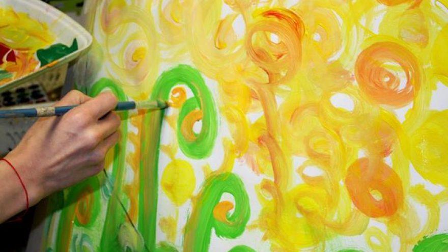 Asmeninė Mandala – intuityvios mandalos tapyba ant drobės