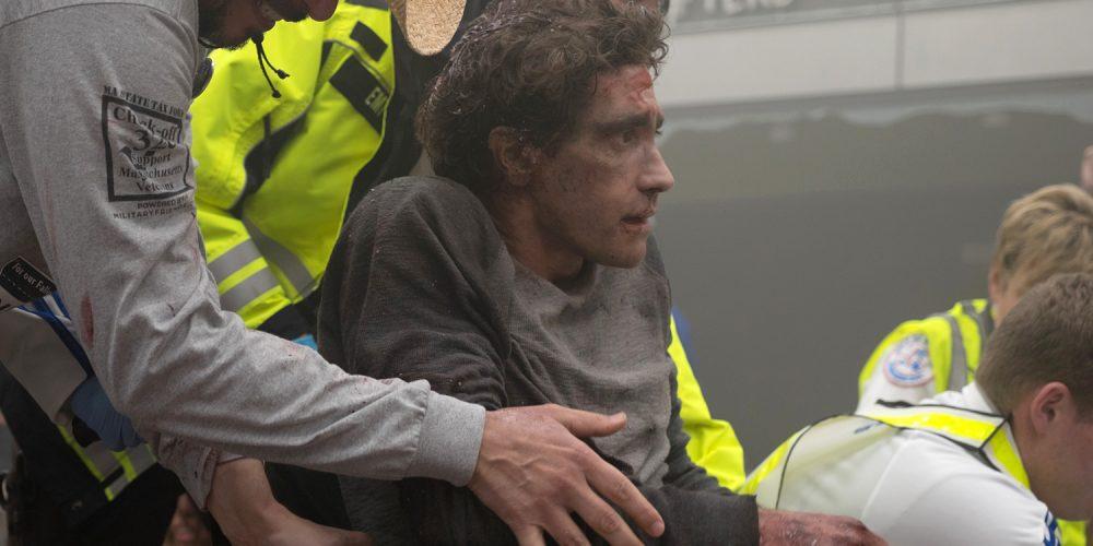 """""""Dar stipresnis"""" premjeroje su savo įkūnyta Bostono maratono auka pasirodęs J. Gyllenhaalas sugraudino publiką"""
