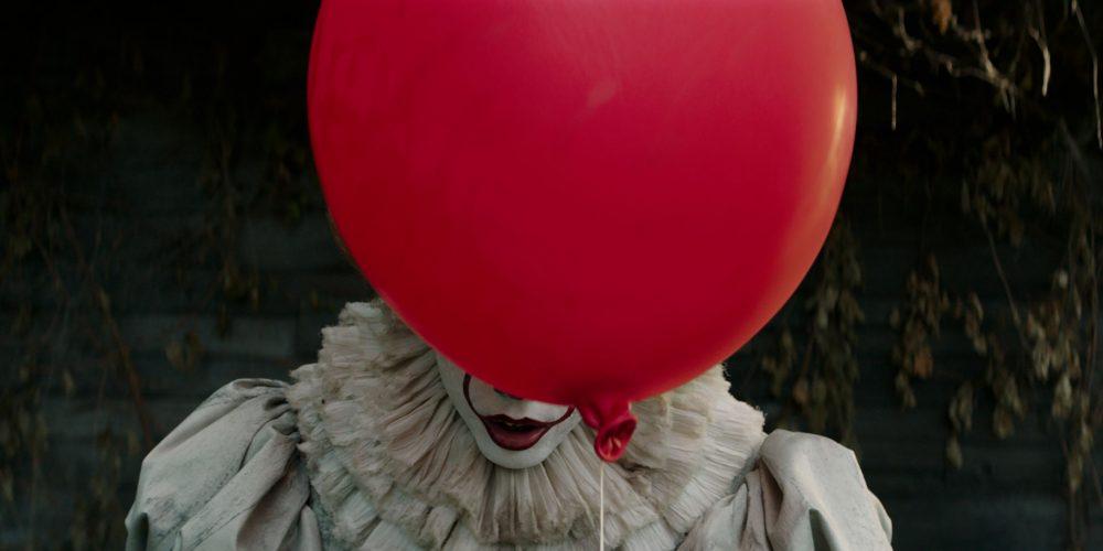 """S. Kingo siaubo knygos """"Tas"""" ekranizacija sėja paniką: klounai praranda darbą, žiūrovams sukelia kaulrofobiją"""