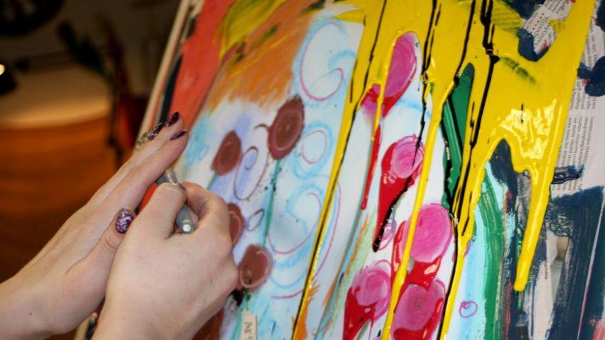 Intuityvios Mandalos tapyba ant drobės