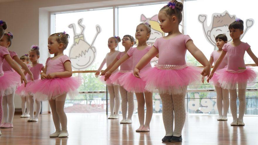 Vaikų ir kūdikių sporto bei šokių šventė