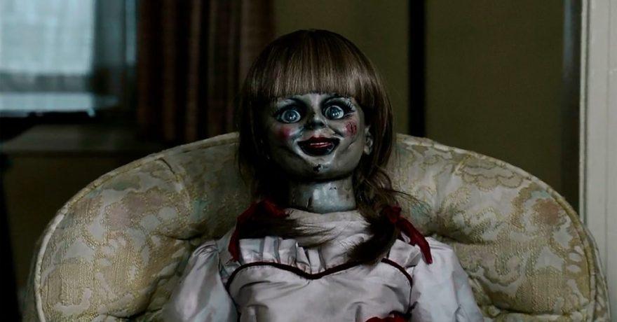 """100 proc. teigiamų recenzijų sulaukusi siaubo juosta """"Anabelė 2"""" pasakos baisiausios pasaulio lėlės atsiradimo istoriją"""