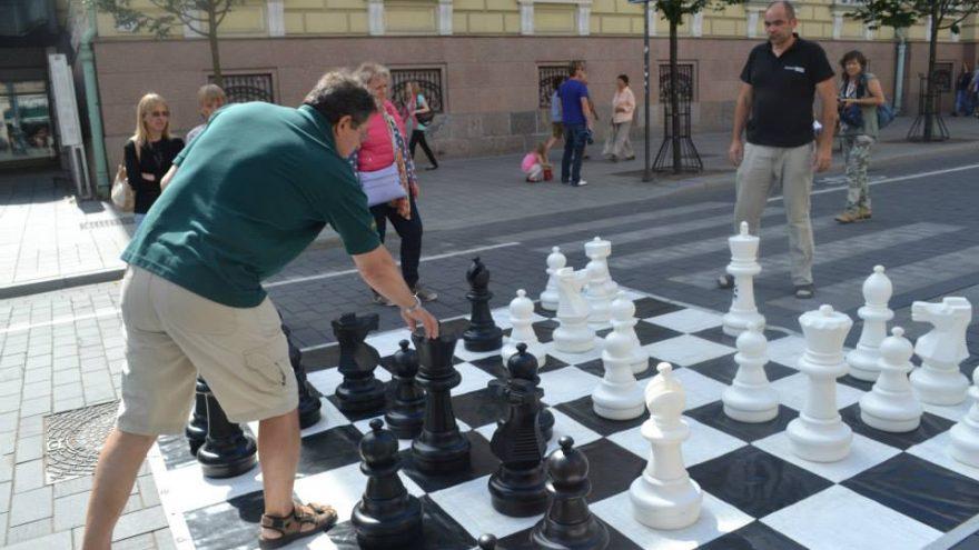 Dideli gatvės šachmatai sekmadienį