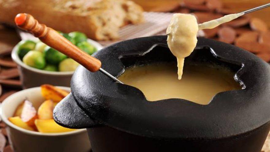 Sūrio fondiu ir akustinis vakaras