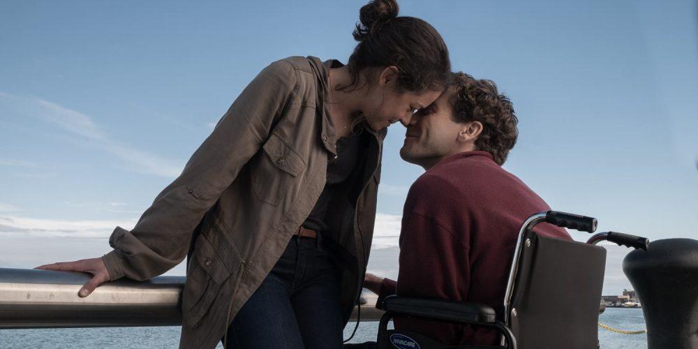 """Dramoje """"Dar stipresnis"""" J. Gyllenhaalui teko vaidinti su kojų protezais: iššūkiu tai vadinti per maža"""
