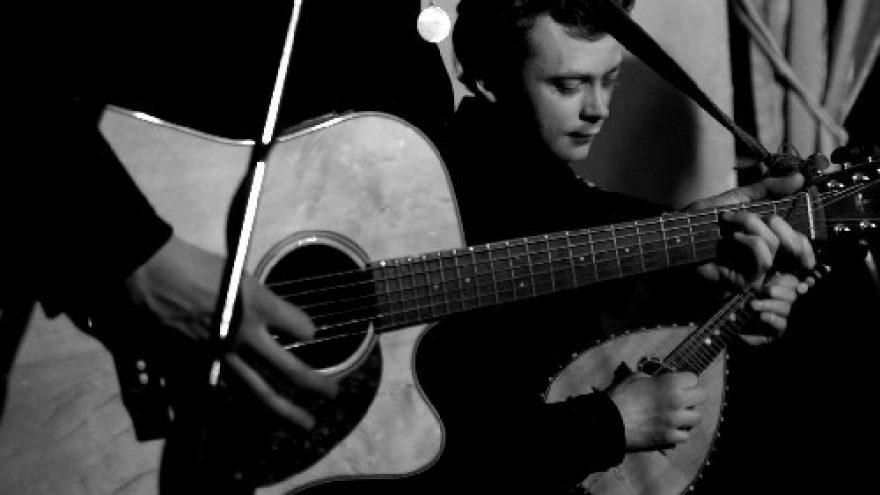 Gitarų, mandolinos ir smuiko improvizacijos @ Cabaret