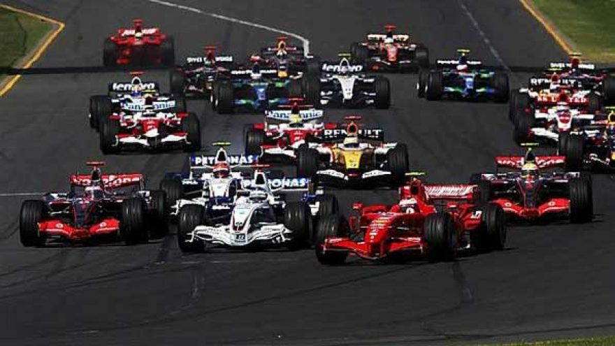 2011.07.04 – 2011.07.10 Sporto baras – F1 Formulė