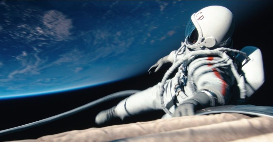 T. Bekmambetovas ekranuose atgaivino jaudinančią pirmojo žmogaus, išėjusio į atvirą kosmosą, istoriją