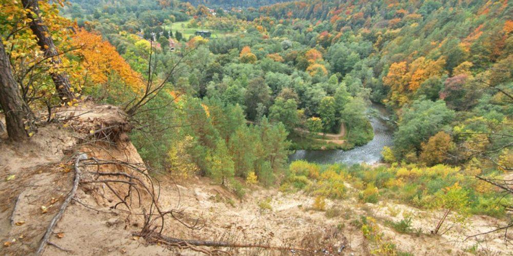 Gražiausi Lietuvos parkai, pažintiniai takai ir kitos lankytinos vietos