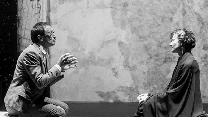 """Spektaklis LIETUVIŠKOJI NORA H.Ibseno pjesės """"Nora"""" ir  Mironaitės  gyvenimo motyvais"""