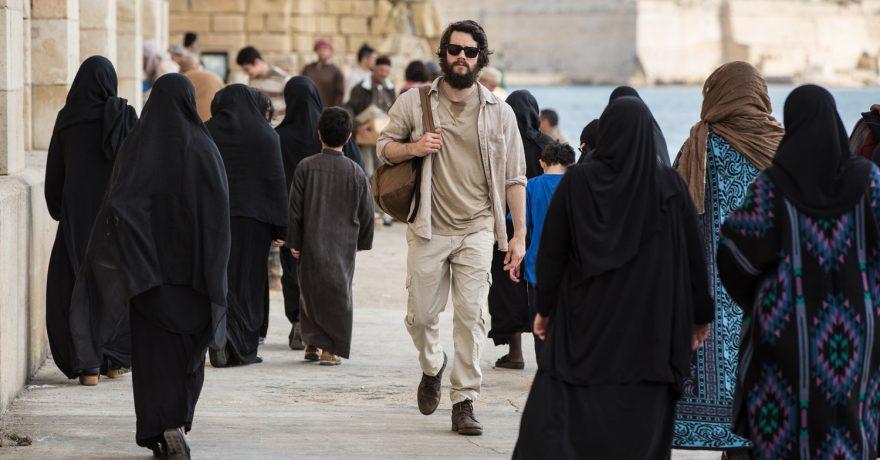 """Į kino teatrus atkeliaujančiame veiksmo trileryje """"Amerikietis žudikas"""" – žiauri ir necenzūruota kova su terorizmu"""