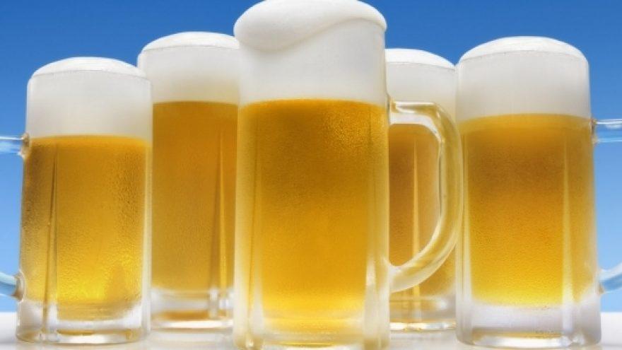 2012.05.26 Šeštadienis – alaus gėrimo varžybos