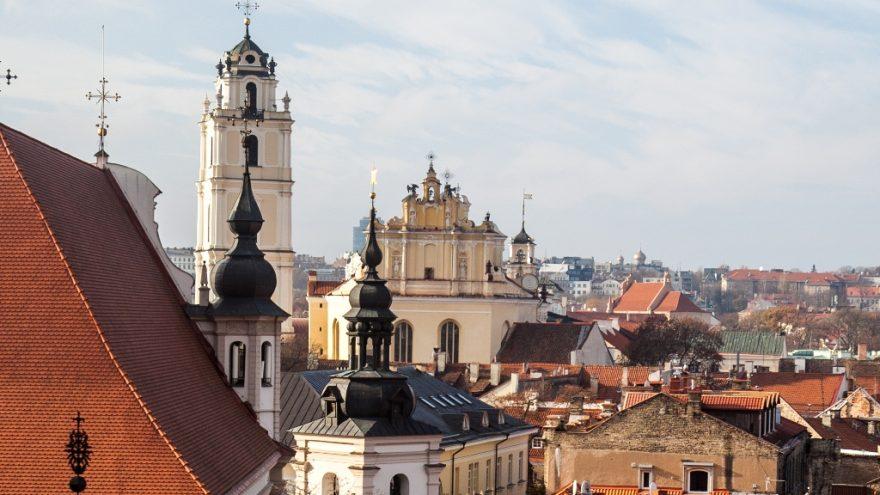 """Paskaita """"Nekasdieniai nutikimai Vilniaus vienuolynuose, arba nuo švenčių iki tragedijų"""""""