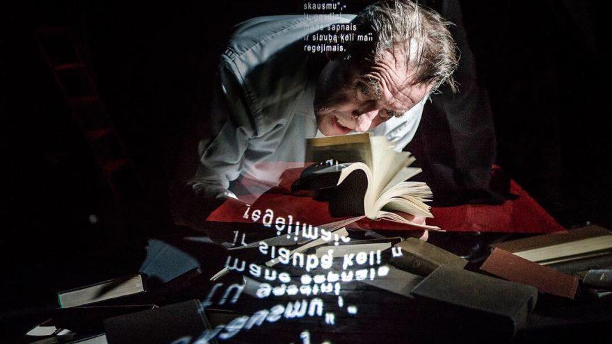 Valstybinis jaunimo teatras: FIKCIJOS rež. Adomas Juška