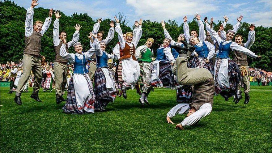 """Liaudiškų šokių festivalis """"Kai prabyla žemė 2019"""""""