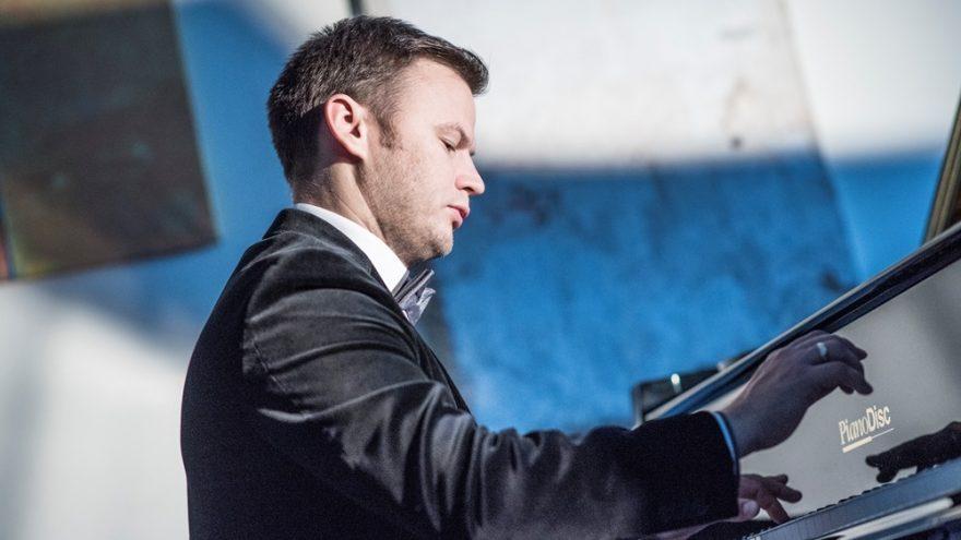 Pianistas Robertas Šiurys