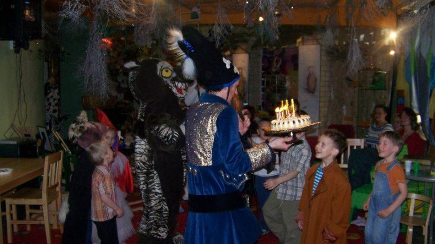 Vaikų gimtadieniai Raganiukės teatre