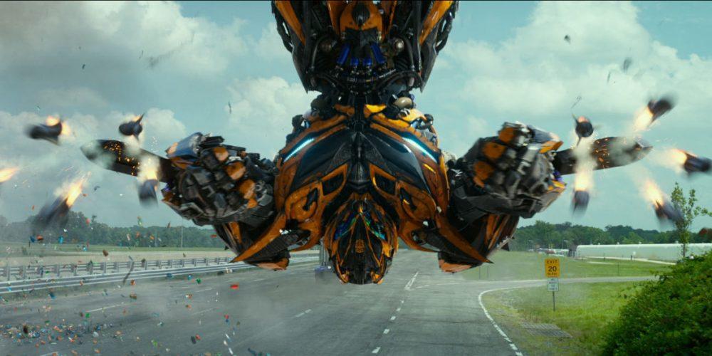 """Režisierius Michael Bay žada dar 14 filmo """"Transformeriai"""" tęsinių"""
