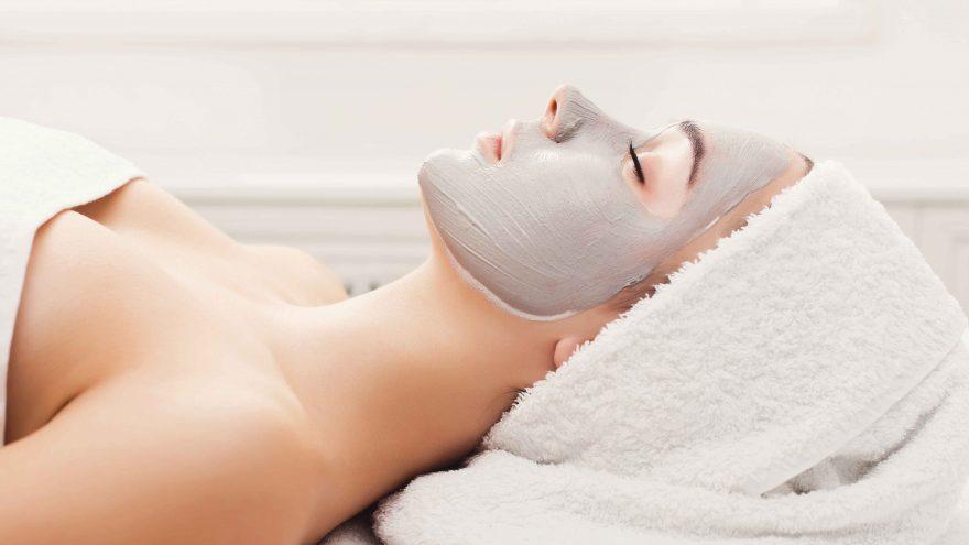 Jauninanti veido odos procedūra + rankų masažas