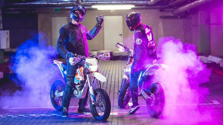 Pasivažinėjimas elektra varomu motociklu KTM FREERIDE E-SM EPOWER ARENOJE Vilniuje