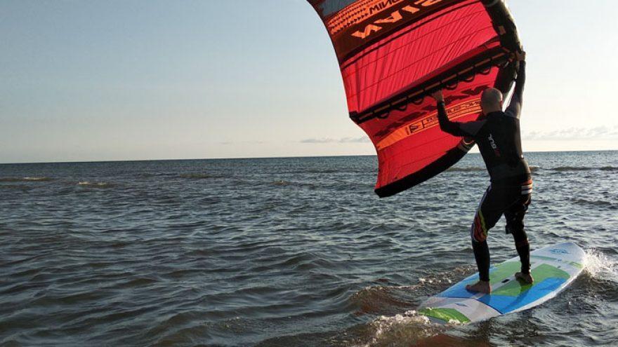 Wing Surfer – naujiena tarp kaitavimo ir buriavimo