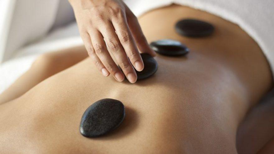 Karštų akmenų ir harmonizuojantis veido masažas