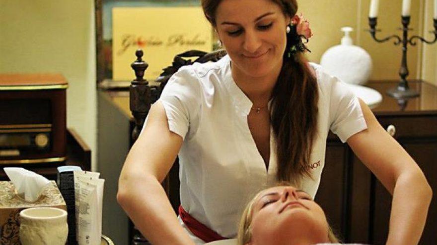 Pasirinktas veido valymas + dovana rankų masažas