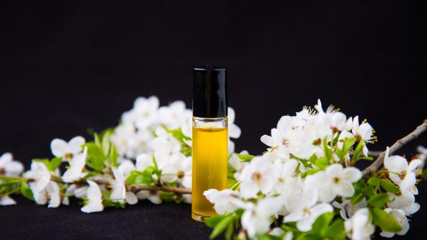 Natūralių aliejinių kvepalų gamyba