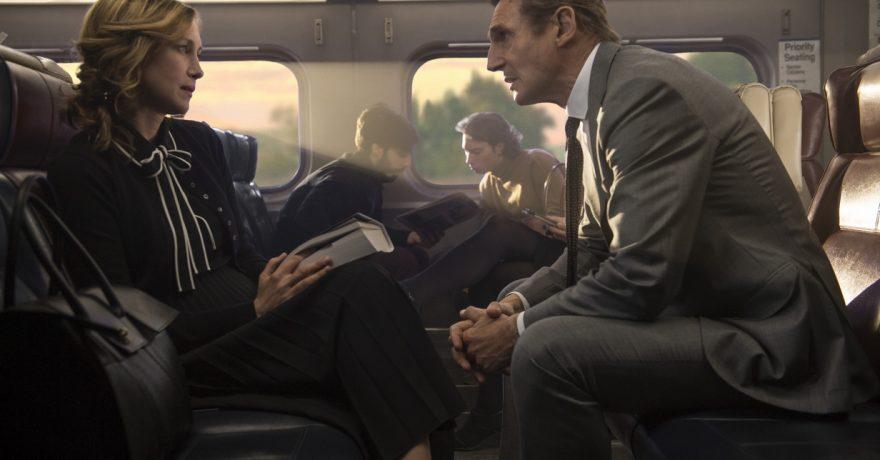 """Veiksmo trileryje """"Slaptas keleivis"""" suvaidinęs L. Neesonas: žiūrovas net nepastebės, kaip pats taps keisto žaidimo dalimi"""