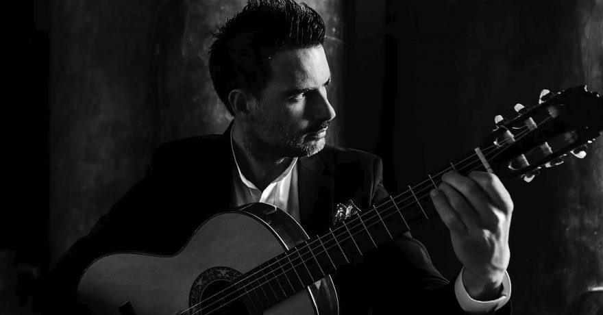 Flamenko gitaros virtuozas Carlosas Piñana savo naujausią kūrinį pristatys su Lietuvos valstybiniu simfoniniu orkestru