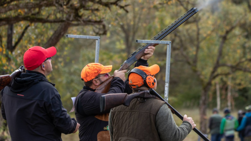 Lėkštučių šaudymas ShootingClub šaudykloje grupei