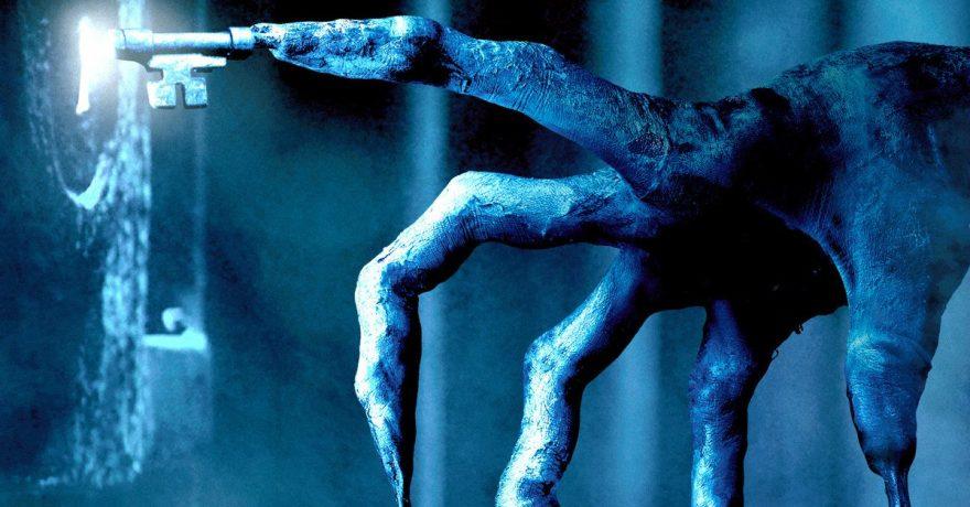 """""""Tūnąs tamsoje"""" grįžta į kino teatrus: kol scenarijus kruopščiai slepiamas, netyla gandai"""