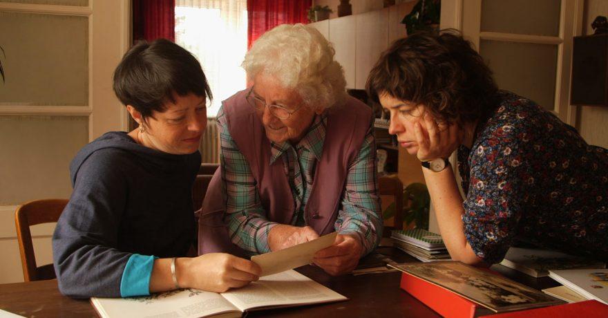 """Filmo """"Močiute, Guten Tag!"""" režisierės: šį savaitgalį močiutės į kiną eina nemokamai"""