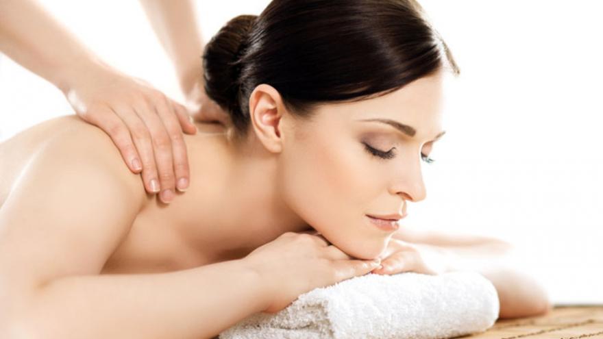 Gydomasis pečių juostos sprando ir kaklo masažas