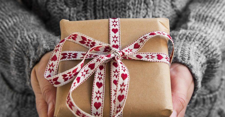 Kalėdinės dovanos tiems, kurie viską turi: idėjos 2018-iesiems