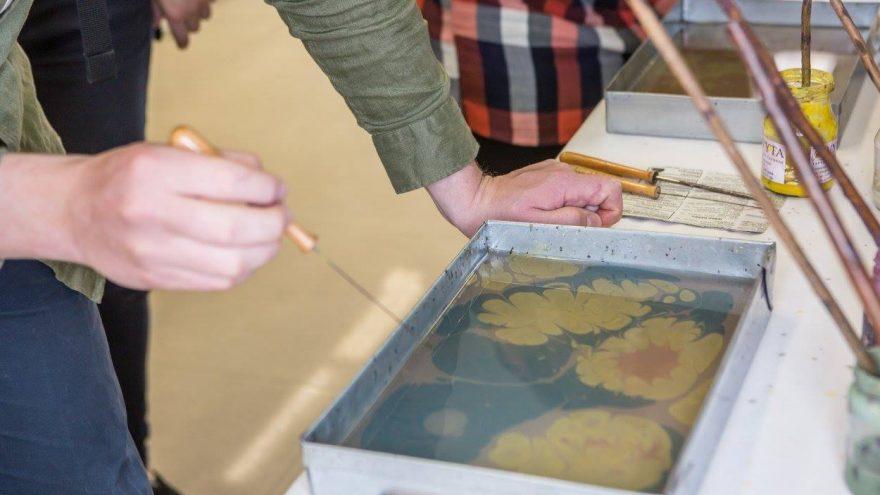 VYTA – tapyba ant vandens (ebru)
