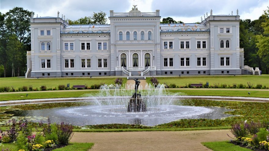 Žemaičių dailės muziejus. Kunigaikščio Mykolo Oginskio rūmai.